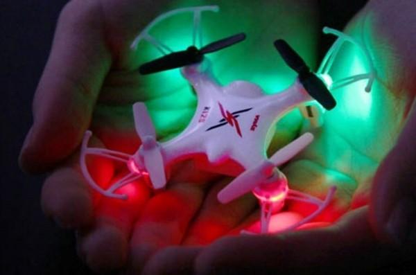 Квадрокоптер Nano X12S с 4-х канальным 2,4 Ггц управлением